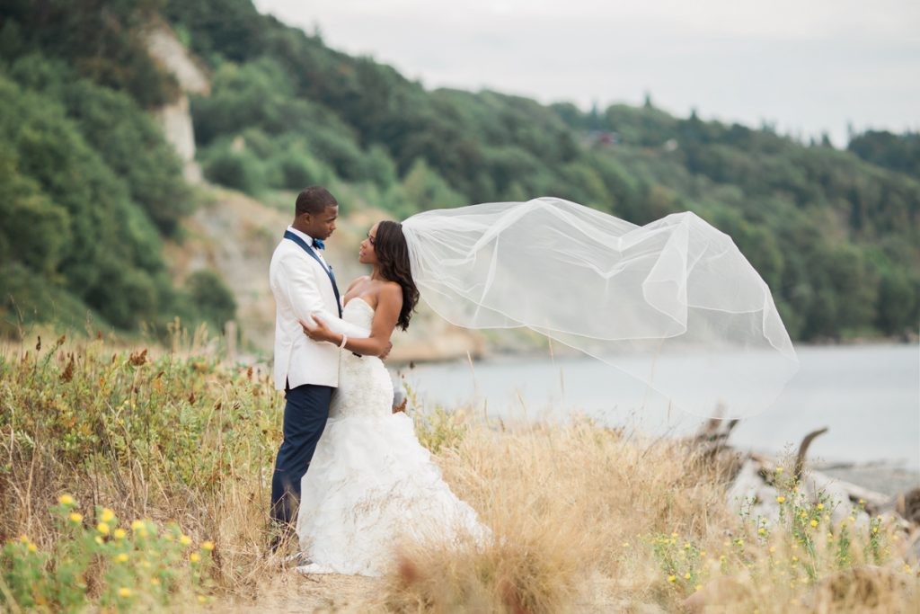 Valley & Company Events and Alante Photography NFL wedding in Seattle - navy and pink
