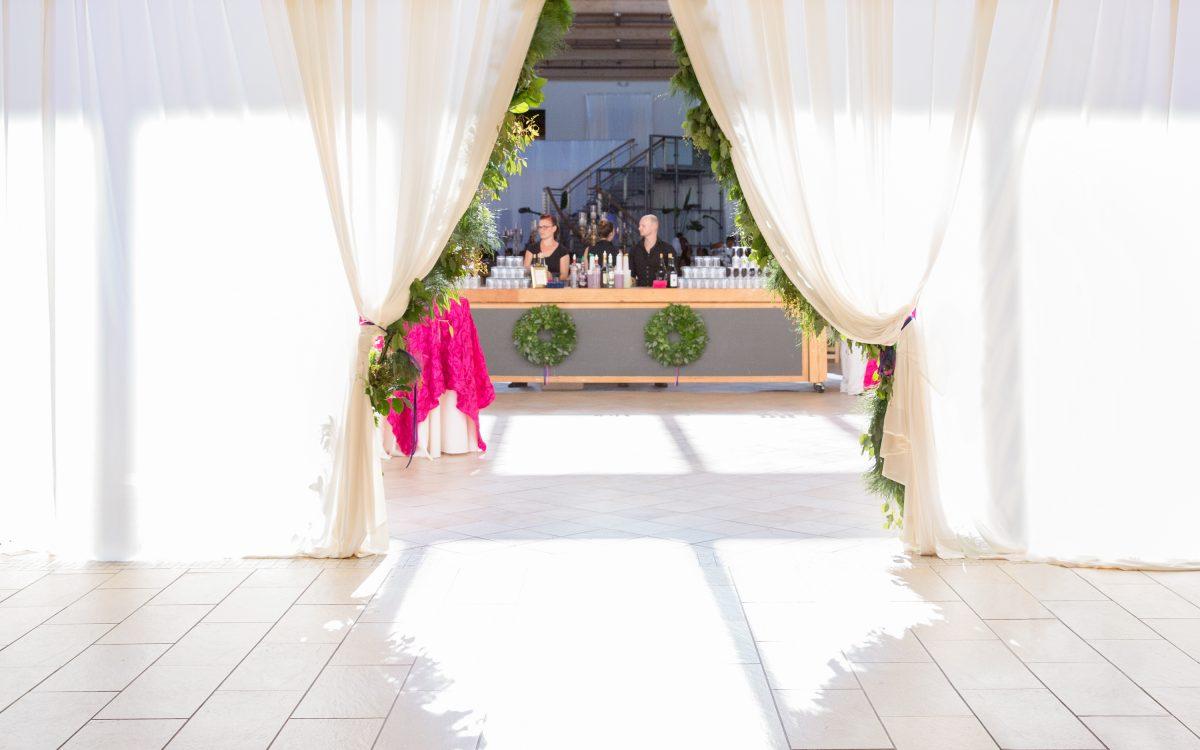 valley & company wedding :: modern day romance nfl -wedding in seattle
