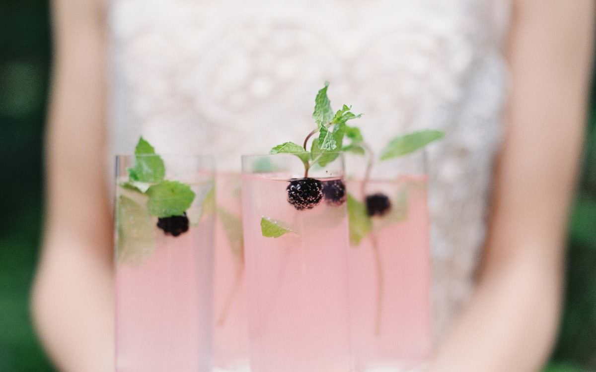 cocktail friday :: blushing blackberry and mint sparkler