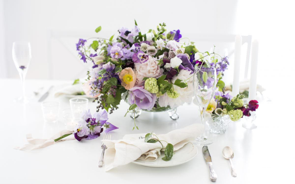 entertaining :: summer gathering with flowers